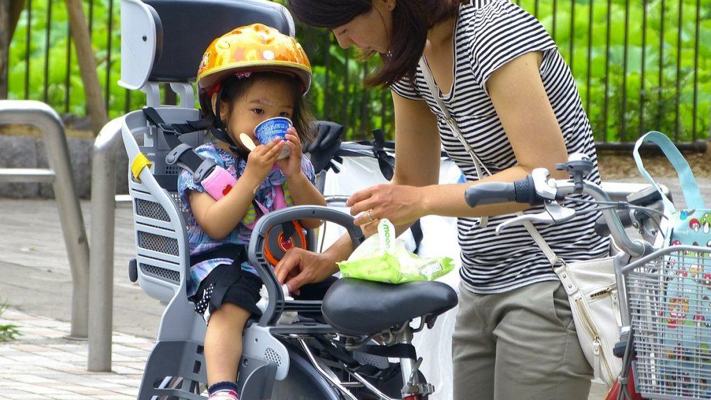 Biztonságos kerékpáros gyermekülés