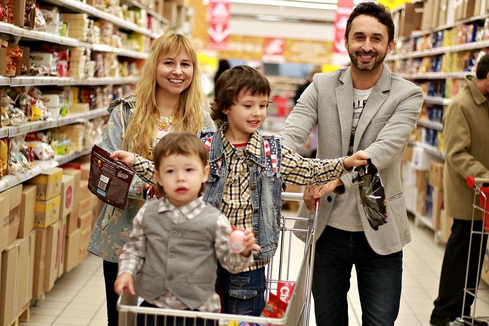 Rodina v obchode